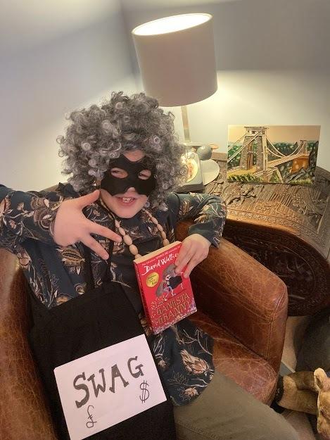 Henry WBD Gangsta Granny (002)
